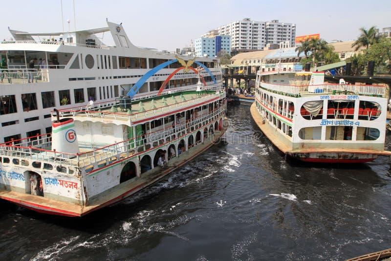 Rios poluídos em Bangladesh imagens de stock royalty free