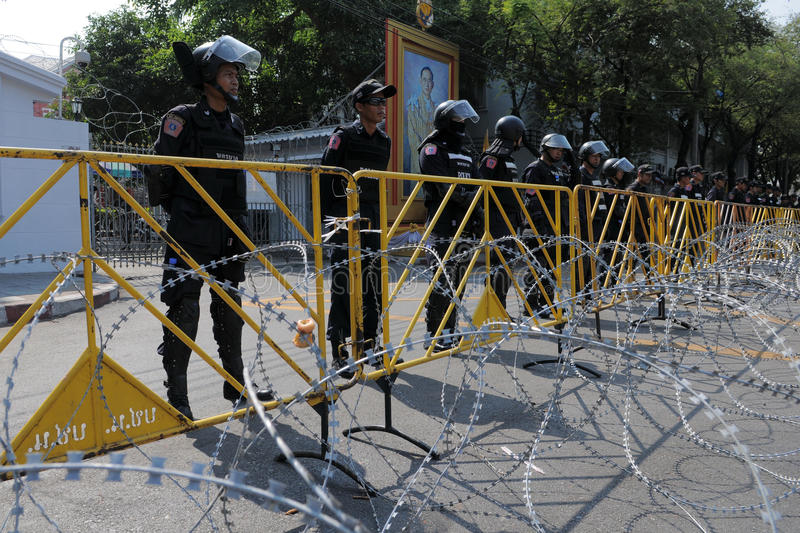 Download Riot Police At A Protest In Bangkok Editorial Stock Photo - Image: 20586913