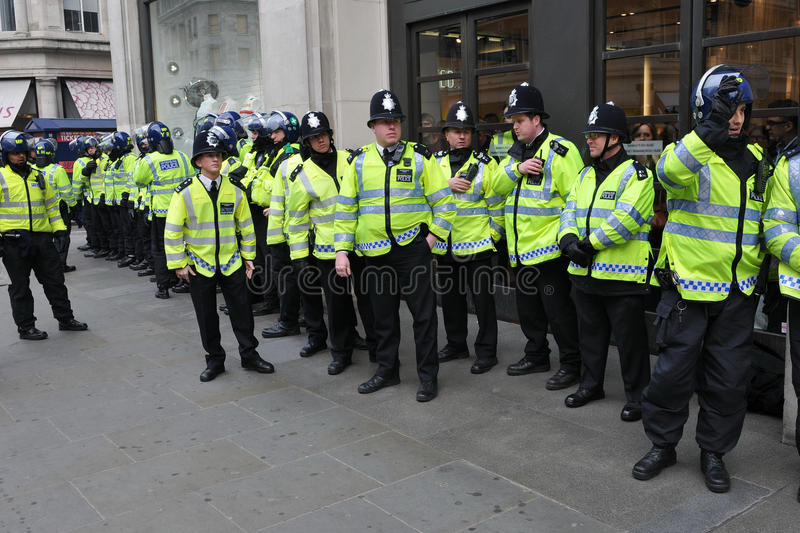 Download Riot Police On Standby In Central London Editorial Photo - Image: 22905886