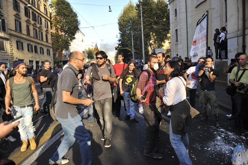 Download Riots In Rome - Italian Students Protest Editorial Stock Image - Image: 21636674