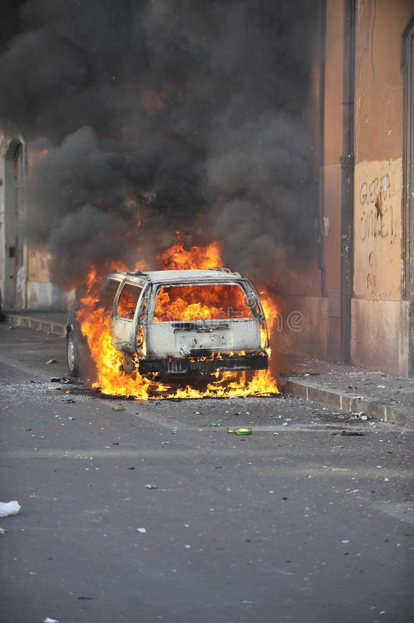 Download Riots In Rome - Italian Students Protest Editorial Stock Image - Image: 21636994