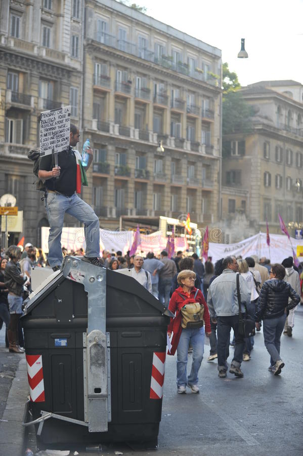 Download Riots In Rome - Italian Students Protest Editorial Stock Image - Image: 21637054