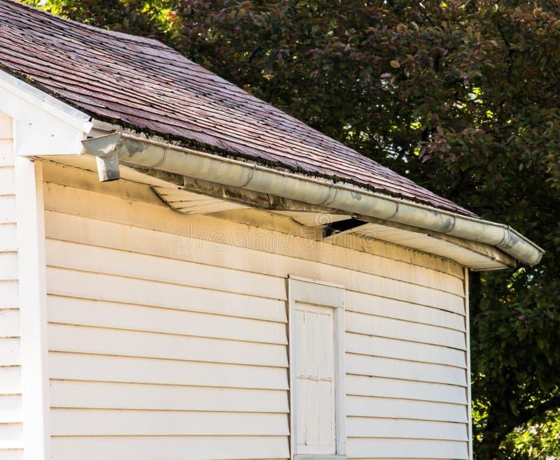 Riparazione del garage stata necessaria immagine stock