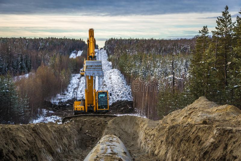 Riparazione del gasdotto principale nel territorio della Siberia occidentale fotografia stock libera da diritti