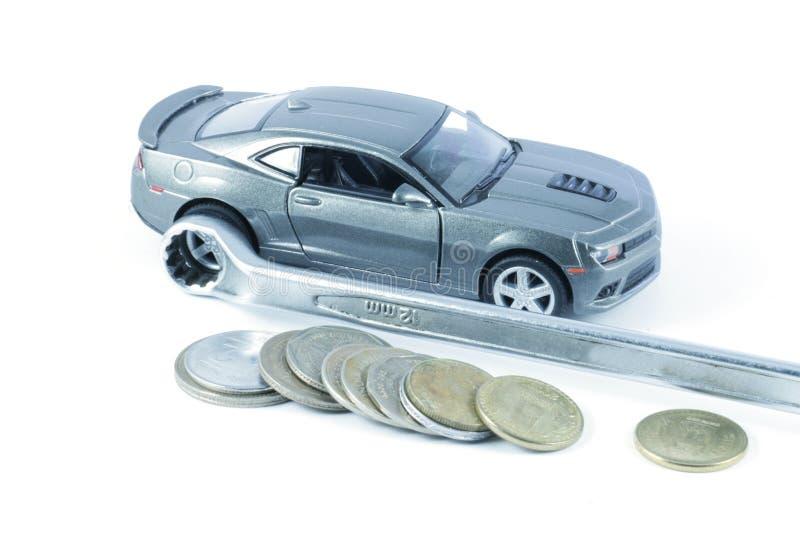 Riparazione dell'automobile, spese di riparazione dell'automobile immagini stock libere da diritti