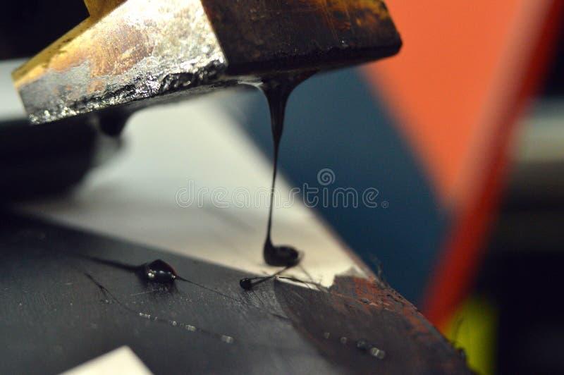 riparazione dello sci e dello snowboard immagine stock libera da diritti