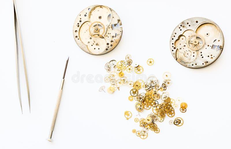 Riparazione e ripristino degli orologi immagini stock libere da diritti