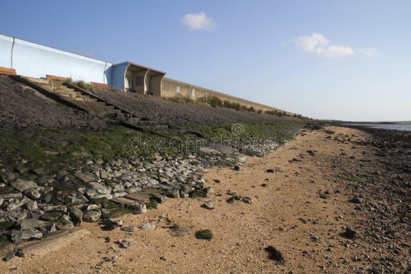Riparo e diga sul Canvey Island, Essex, Inghilterra fotografia stock libera da diritti