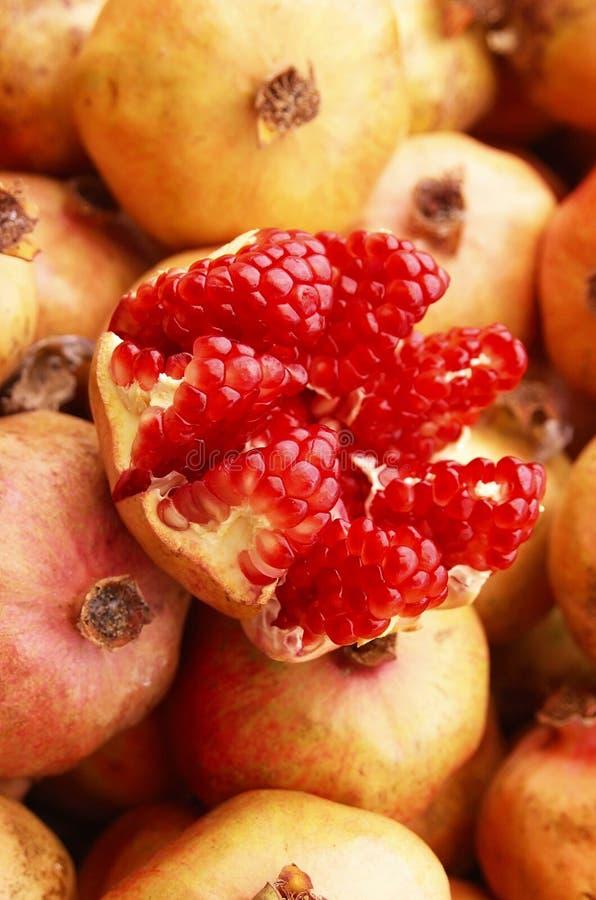 Free Ripe Pomegranate Stock Photography - 16255652