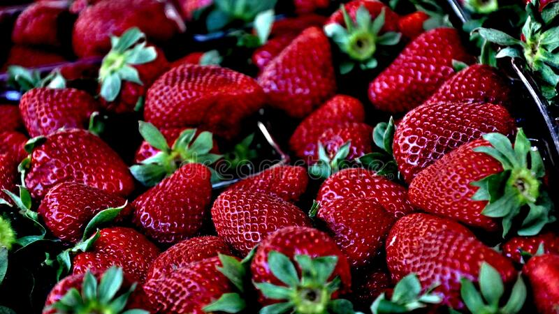 Ripe Strawberries In Punnet Free Public Domain Cc0 Image