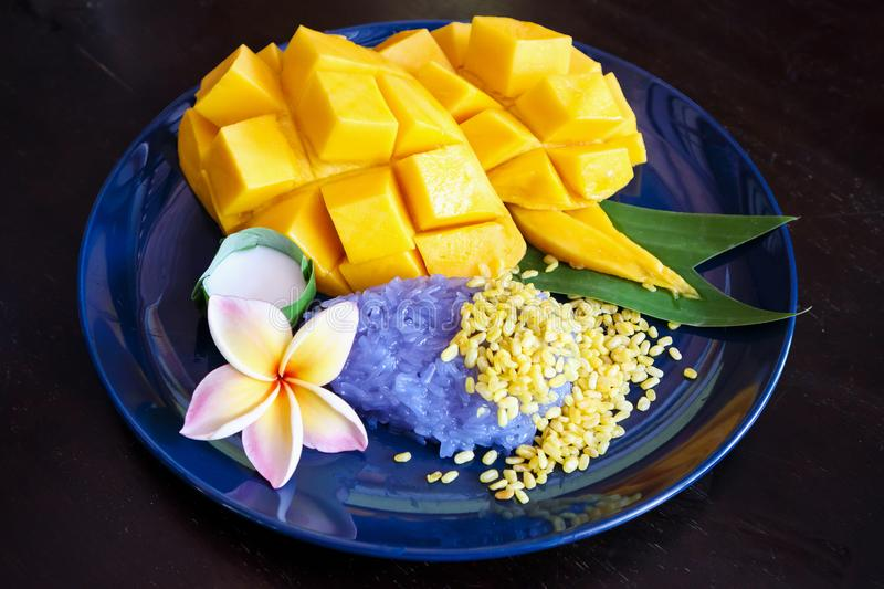 Ripe sweet mango with sticky rice,Thai dessert royalty free stock image