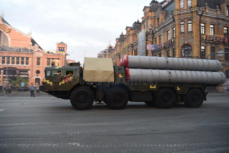 Ripetizioni per la festa dell'indipendenza militare di parata a Kiev, Ucraina immagini stock libere da diritti