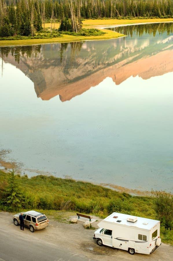 Riposa fermata sul lago immagine stock libera da diritti