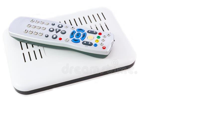 Ripresa esterna e ricevitore impilati per Internet TV sulla laterale vista bianca immagini stock libere da diritti