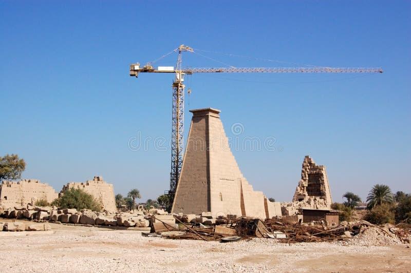 Ripristino a Karnak immagini stock libere da diritti
