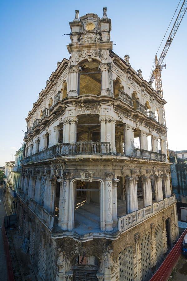 Ripristino vecchia Avana edificio di Art Deco fotografia stock