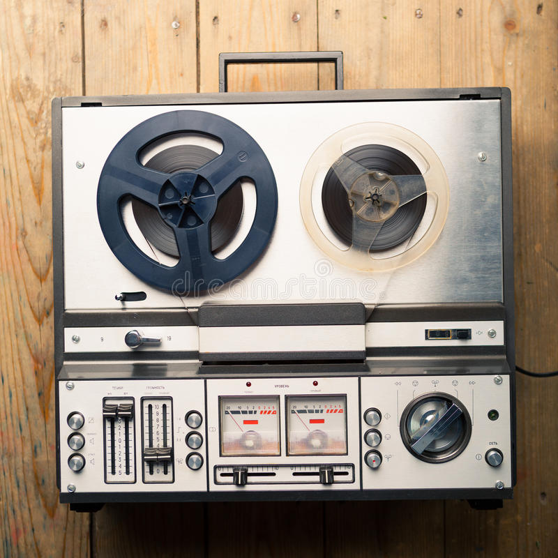 Riproduttore audio e registratore bobina a bobina immagine stock libera da diritti