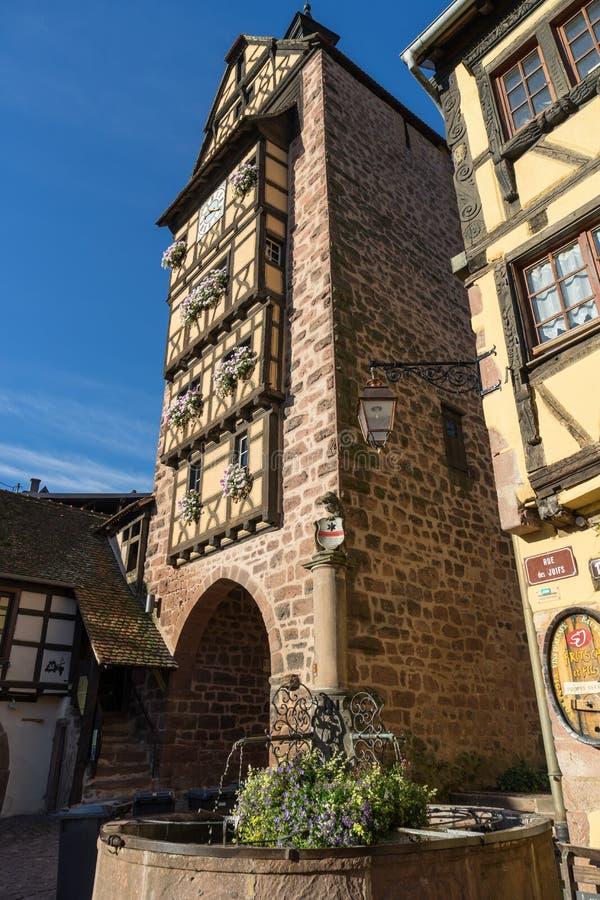 RIQUEWIHR, FRANCE/EUROPA - 24 DE SETEMBRO: Arquitetura de Riquew fotografia de stock royalty free