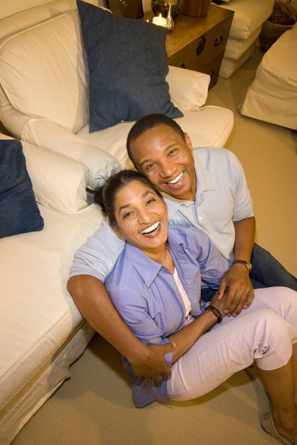 Rire de couples photographie stock