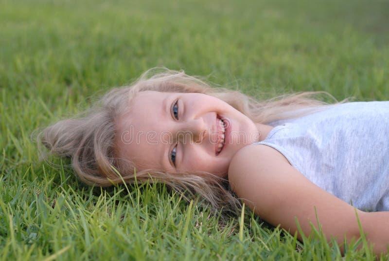 Rire de fille d'enfants photos libres de droits