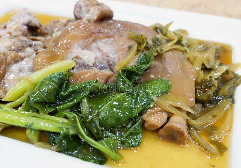 ris med grisköttbenet arkivfoton