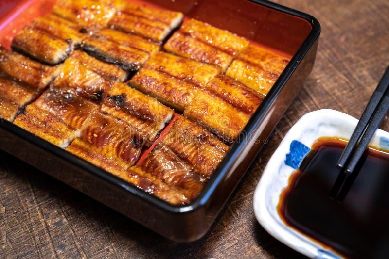 Ris som överträffas med den grillade grillade ålen, Kabayaki royaltyfri fotografi