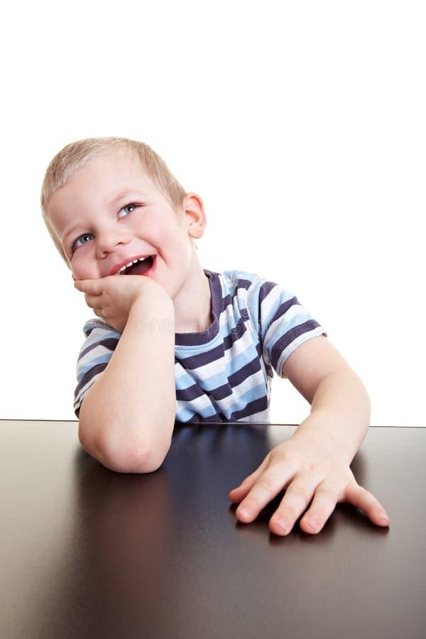 Risa feliz del niño fotografía de archivo