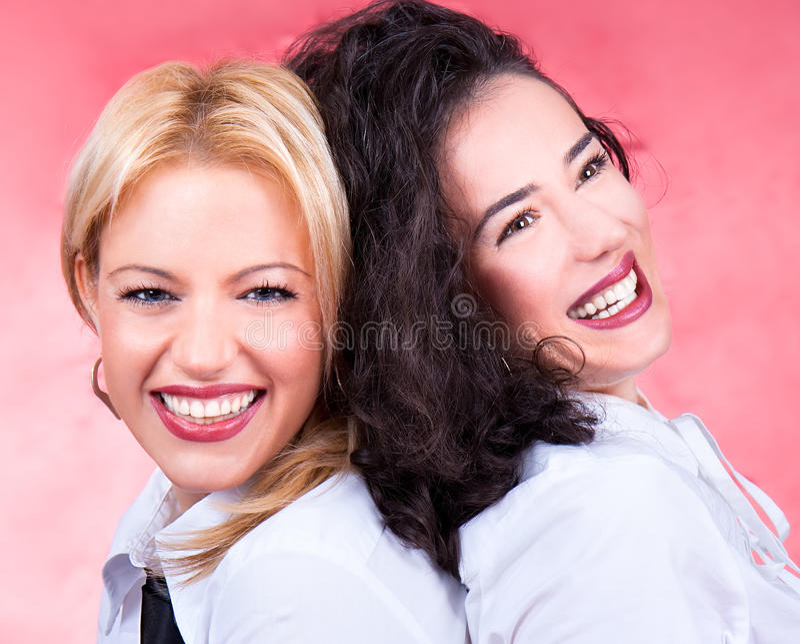 Risa hermosa feliz de las mujeres jovenes fotografía de archivo libre de regalías
