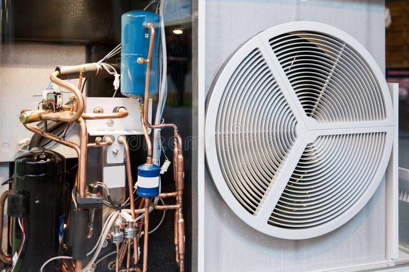 Riscaldamento ed unità di condizionamento d'aria di CA trasparente immagine stock libera da diritti