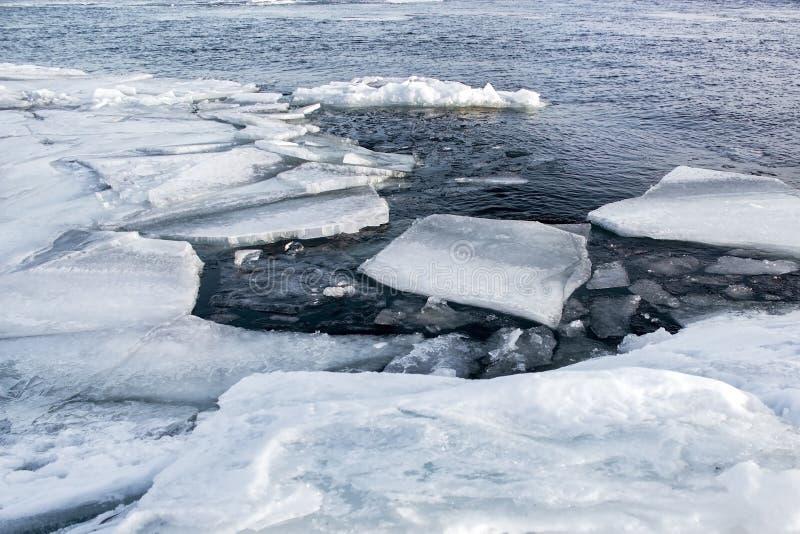 Riscaldamento globale e mutamento climatico il concetto a causa di ghiaccio di fusione fotografia stock libera da diritti