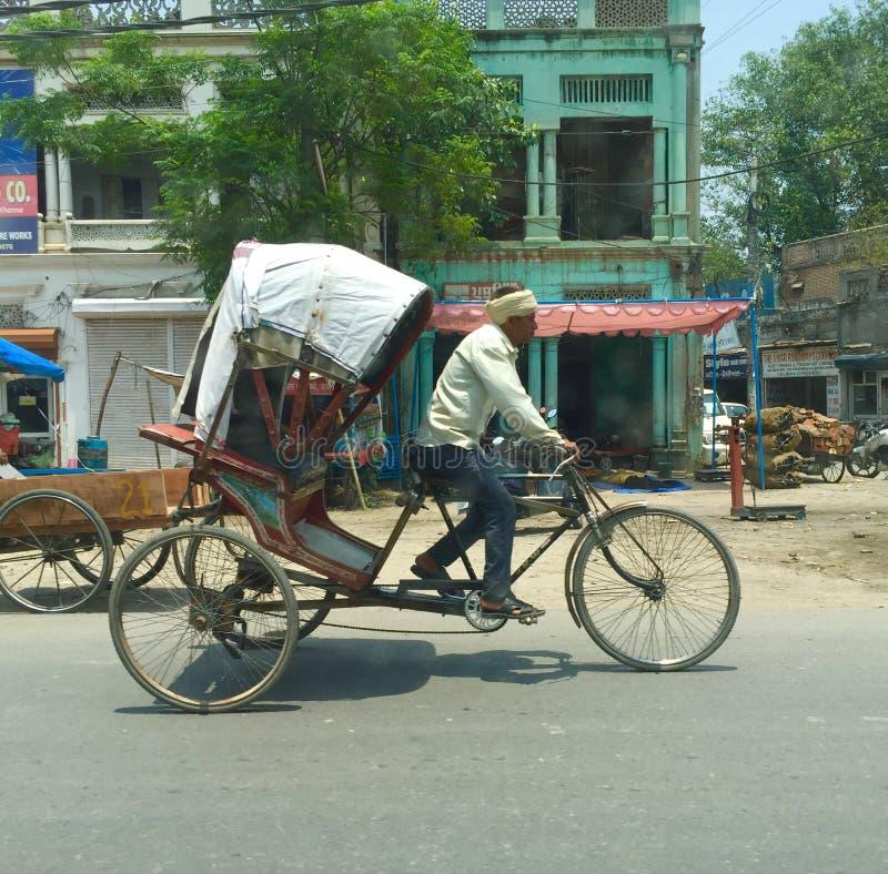 Download Risciò di ciclo fotografia stock editoriale. Immagine di rickshaw - 55360888