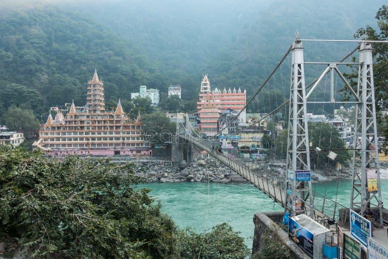 Rishikesh e sua ponte imagens de stock