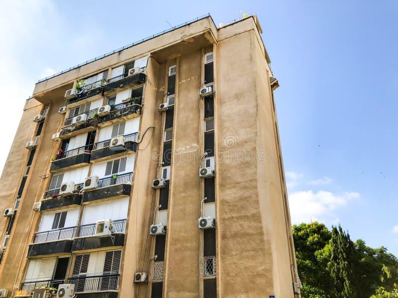 RISHON LE СИОН, ИЗРАИЛЬ - 20-ОЕ ИЮНЯ 2018: Высокий жилой дом в Rishon Le Сионе, Израиле стоковое фото rf
