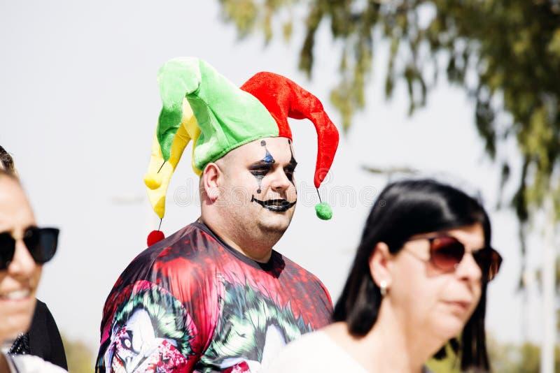RISHON LE ZION, ISRAEL 1º DE MARÇO DE 2018: Trajes vestindo dos povos em Israel durante a celebração de Purim em Rishon Le Zion,  foto de stock royalty free