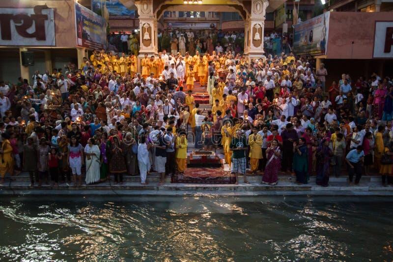 Risikesh Ganga Arati lizenzfreie stockfotos