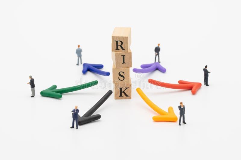 Risiko der Vermeidung des Risikos das Konzept der Risikodiversifikation eines Geschäfts oder der Organisation Für das unerwartete stockbild