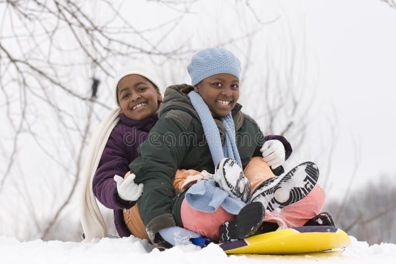 Riso afro-americano das irmãs e dos melhores amigos imagem de stock royalty free