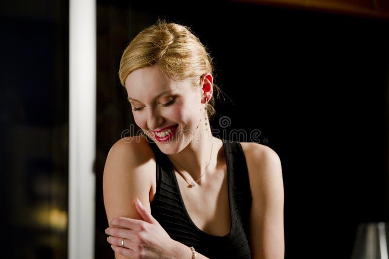Riso bonito da mulher fotos de stock royalty free