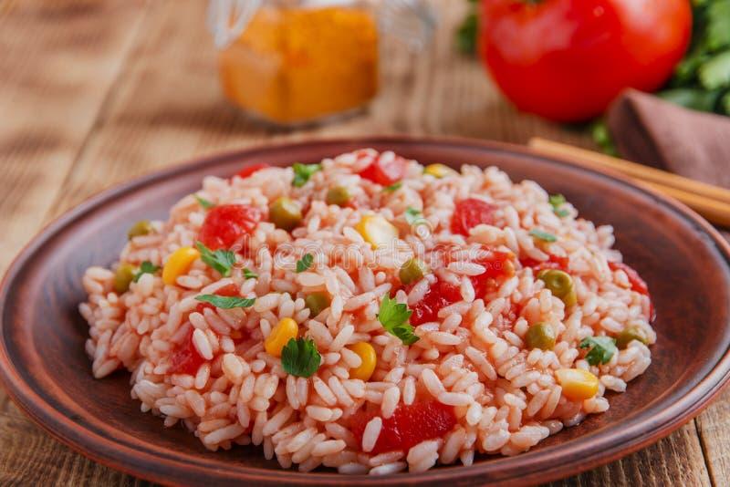 Download Riso Con Il Cereale Del Pomodoro Fotografia Stock - Immagine di organico, pomodoro: 56881994