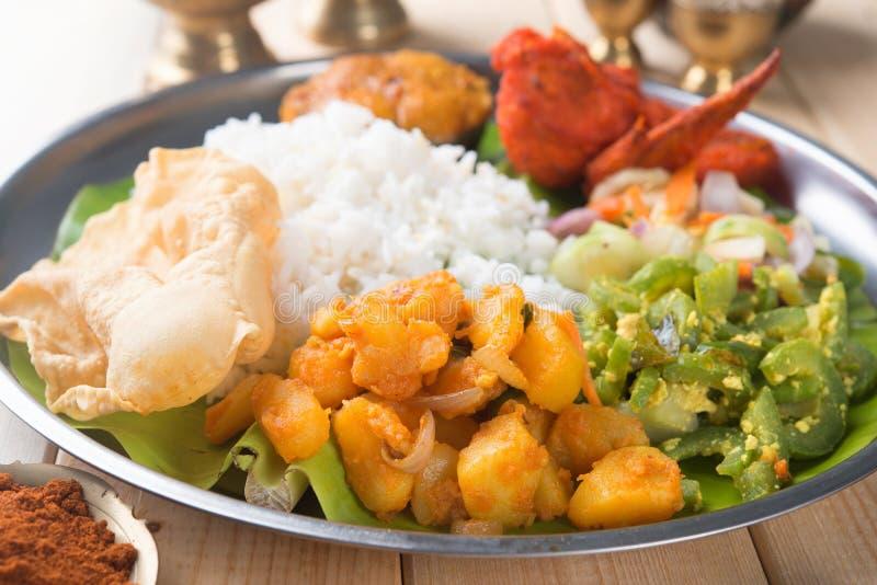 Riso misto indiano sul tavolo da pranzo immagine stock libera da diritti