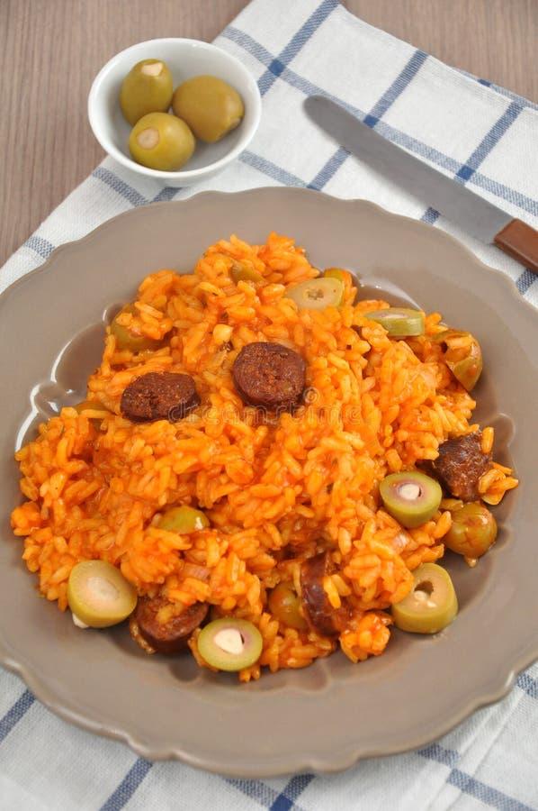Download Risoto Com Tomates, Azeitonas E Chouriço Imagem de Stock - Imagem de meatless, jantar: 29838013