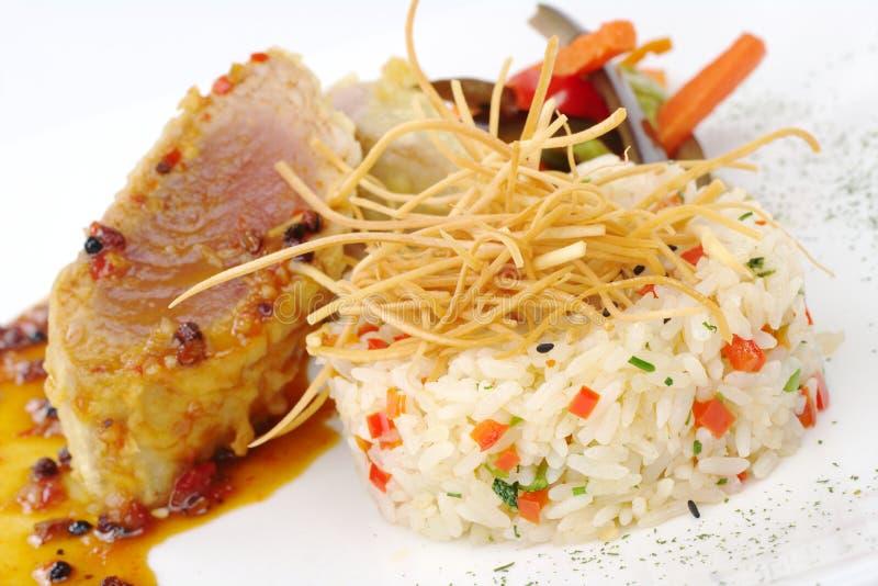 Download Risotto Com Atum E Vegetais Foto de Stock - Imagem de vermelho, gourmet: 16863222