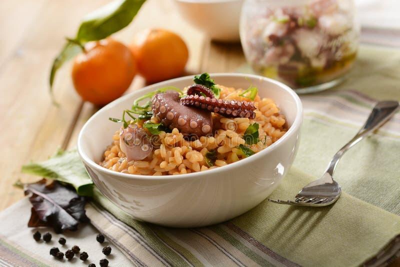 Risotto met octopus - Traditioneel Italiaans recept royalty-vrije stock afbeelding