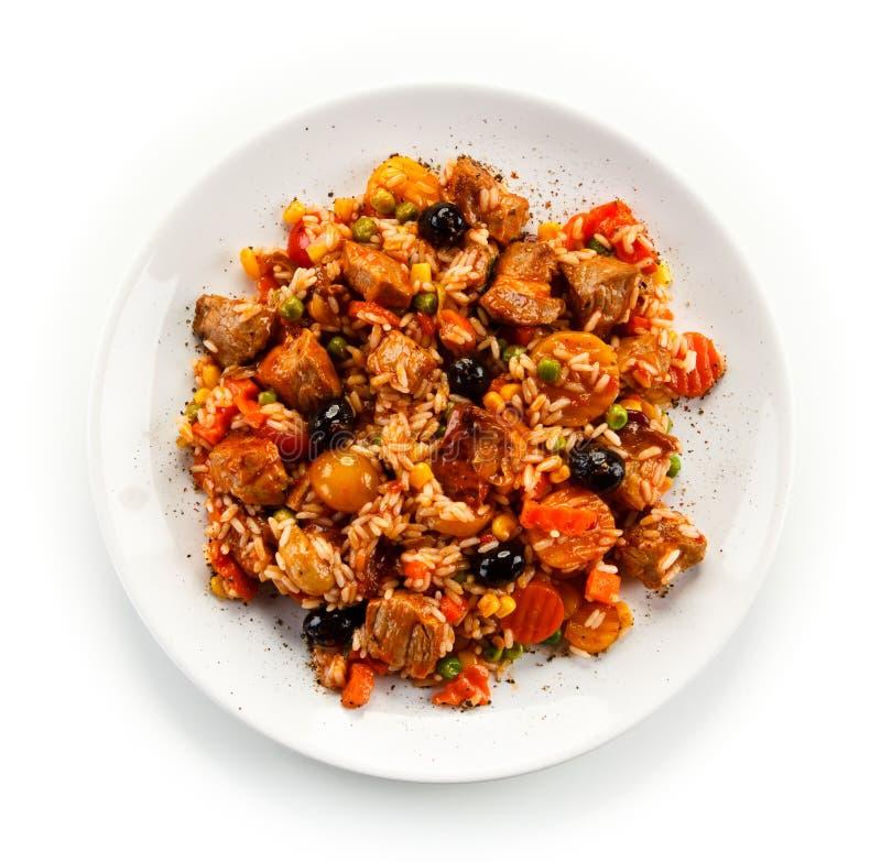 Risotto - viande, riz et légumes de rôti image stock