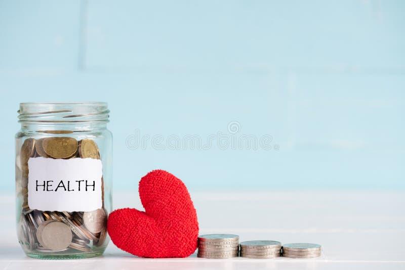 Risparmio dei soldi e concetto di sanità fotografie stock