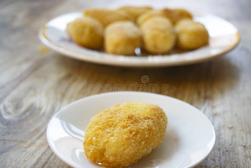 Rissole frite de pomme de terre image stock