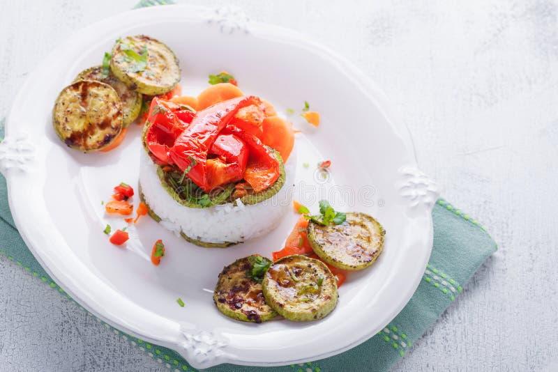 Ristimbale med grönsaker royaltyfria bilder
