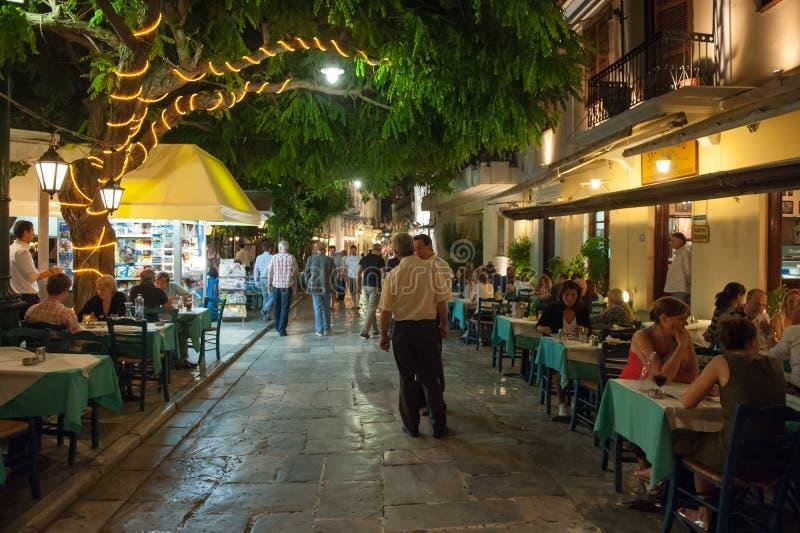Ristorante all'aperto in Plaka, Atene fotografie stock