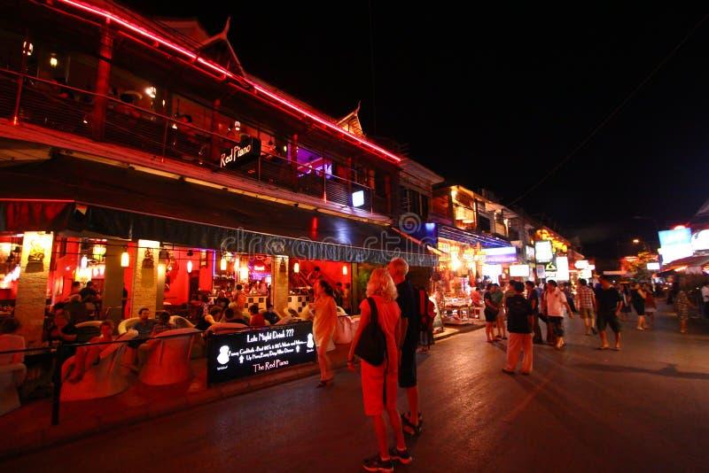 Ristorante del lato della strada della Cambogia in via del pub fotografie stock
