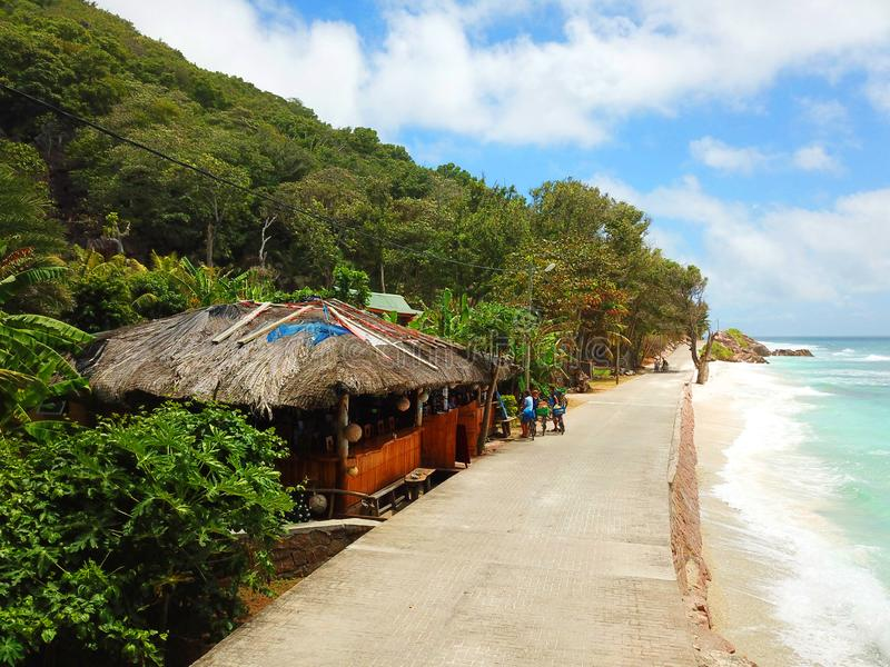 Ristorante della spiaggia alle Seychelles immagine stock libera da diritti